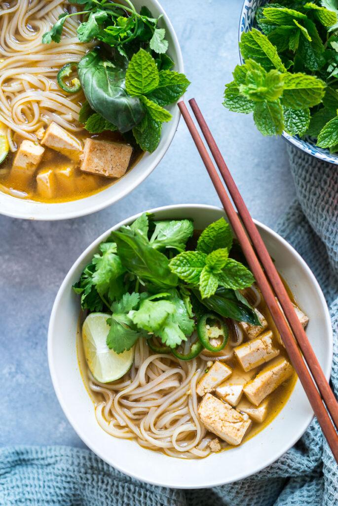 Vegán tofu pho