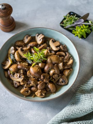White Wine Garlic Mushrooms