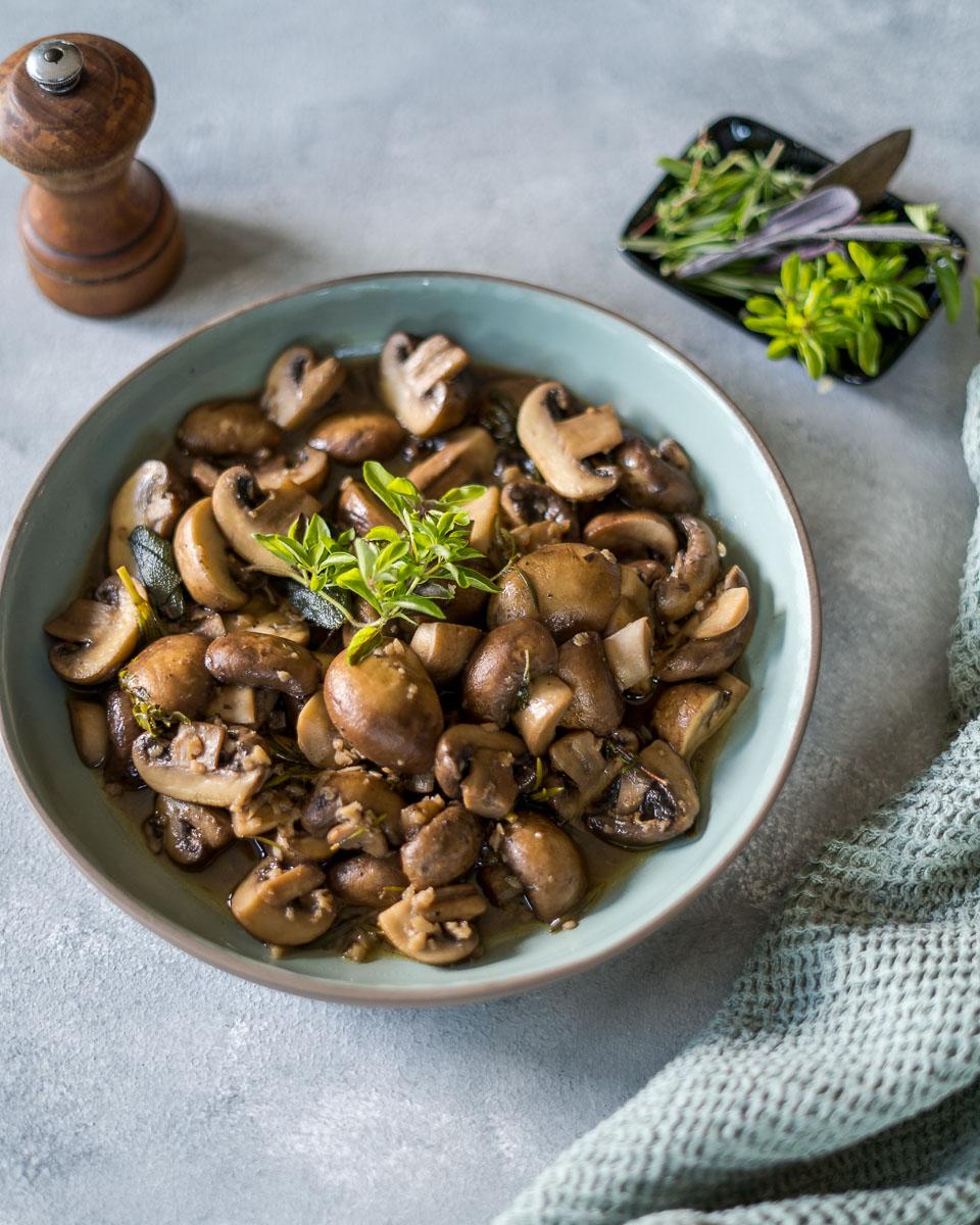 White Wine Garlic Mushrooms