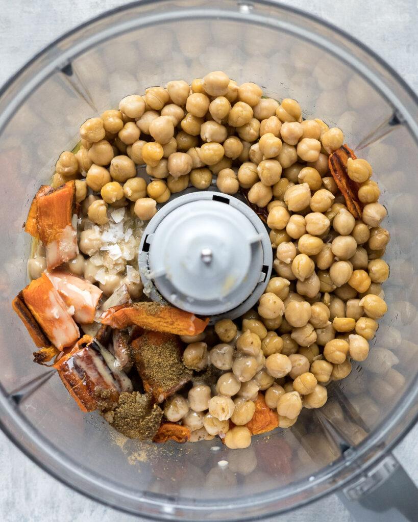 Hummus betöltve