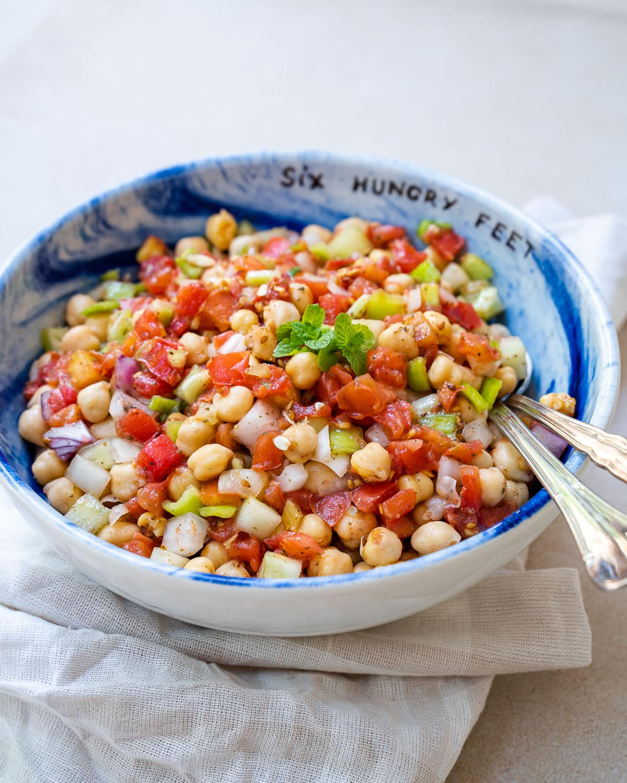 Middle Eastern Chickpea Salad