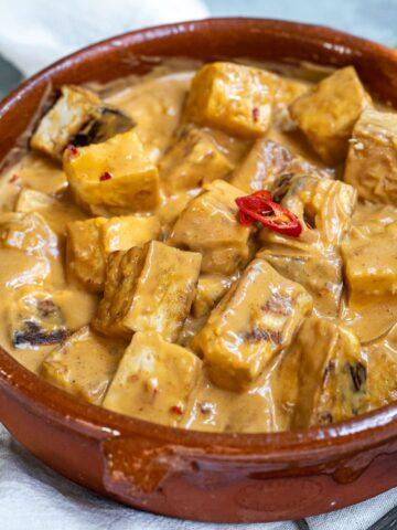 Tofu with Spicy Peanut Sauce